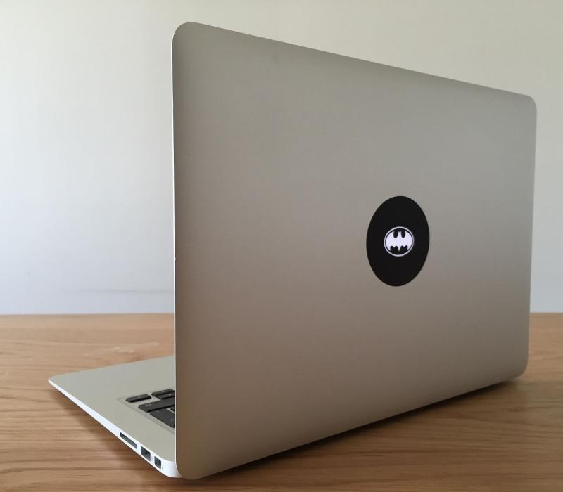 batman-retro-macbook-sticker-3
