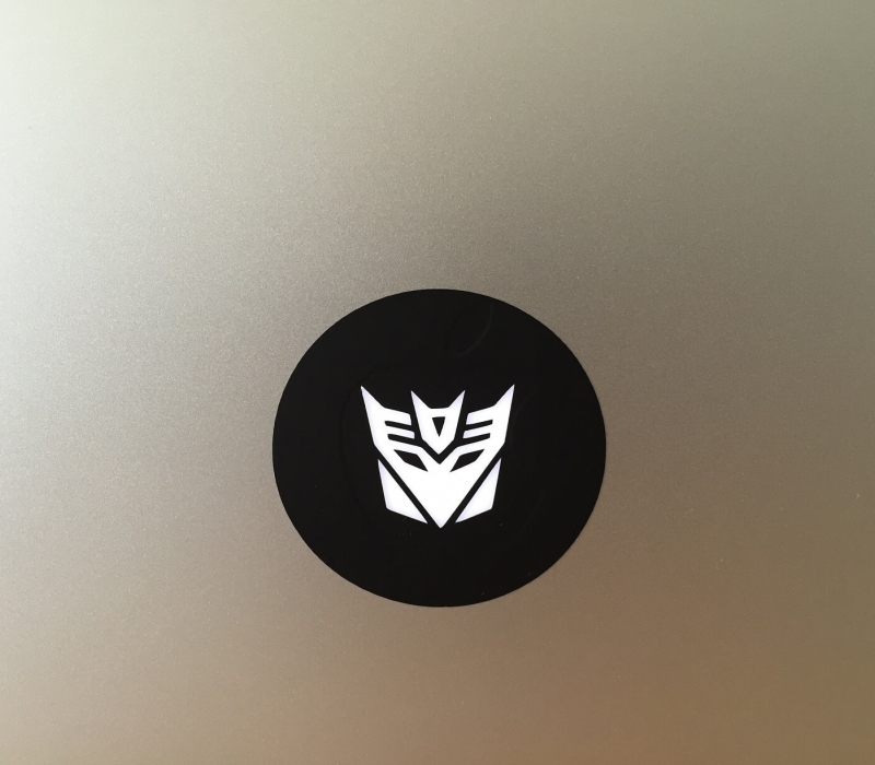 decepticon-macbook-sticker-1