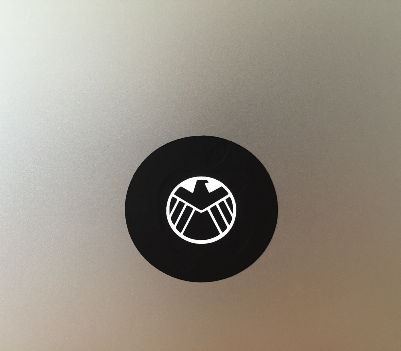 avengers-macbook-sticker-1