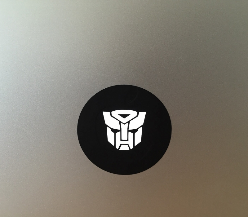 autobot-macbook-sticker-1